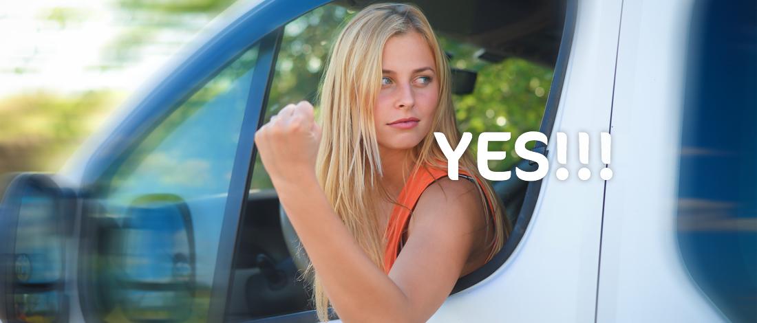 Vrouwen rijden beter! Nou ja, in bestelauto's dan.