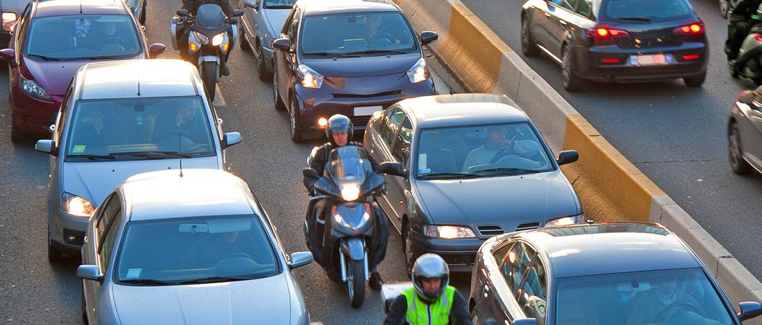 Photo of Motorrijders vs. automobilisten: wie ergert zich (het meest) aan wie?