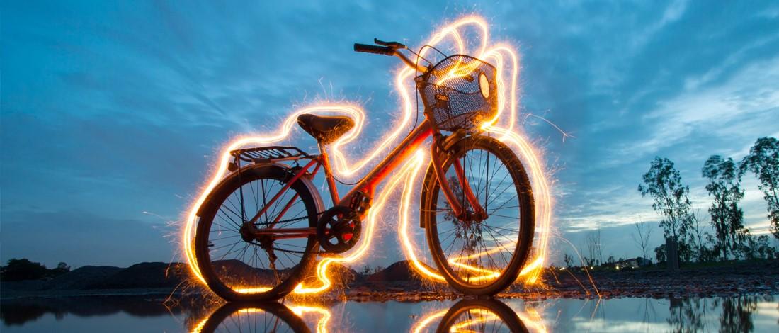 Opvallen op de fiets tijdens donkere dagen? Dat doe je zo!