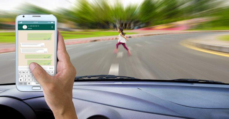Smartphonegebruik tijdens het autorijden - Verzekeruzelf