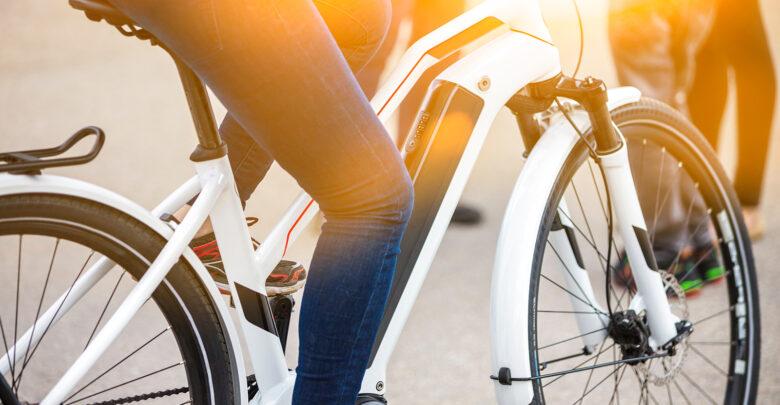 Ben ik als automobilist verantwoordelijk bij een aanrijding met elektrische fiets | Verzekeruzelf